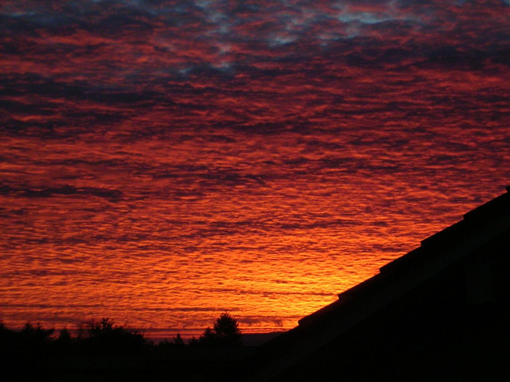 Red sky by Simon Eugster Image in unaltered